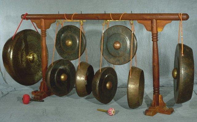 alat musik ogung