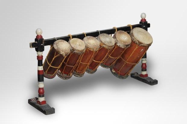 alat musik taganing