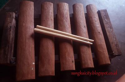 alat musik gamang