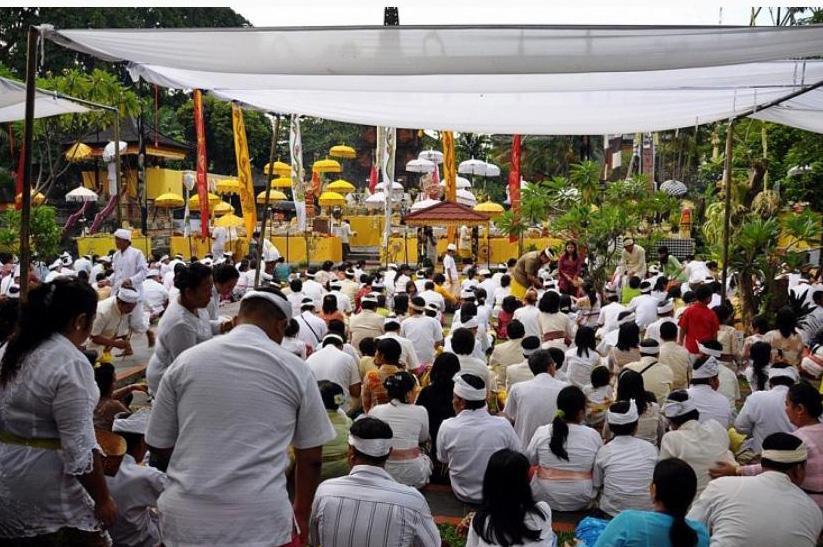 upacara saraswati