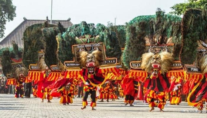 upacara adat jawa timur